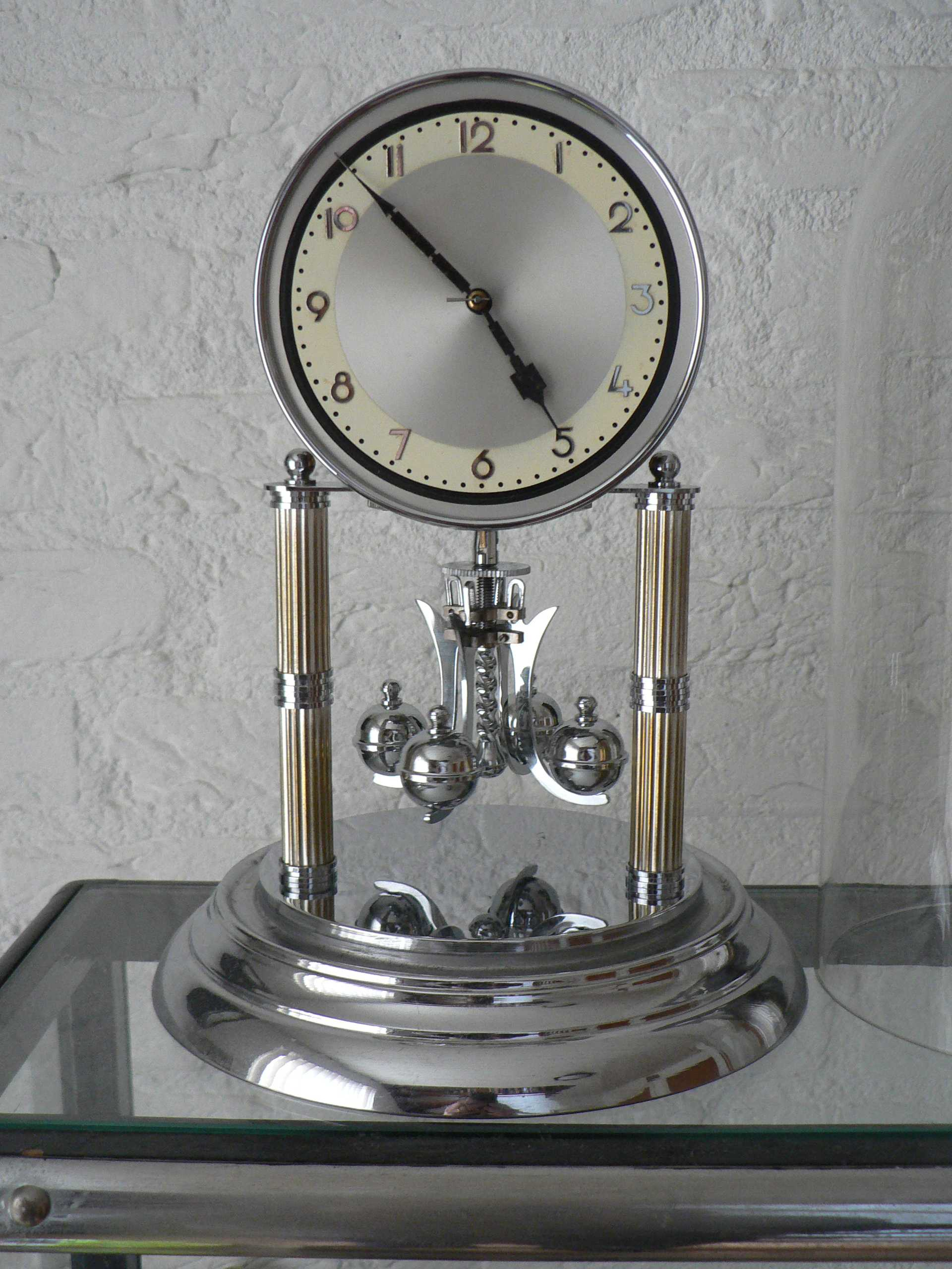 Jaarpendule (art deco)